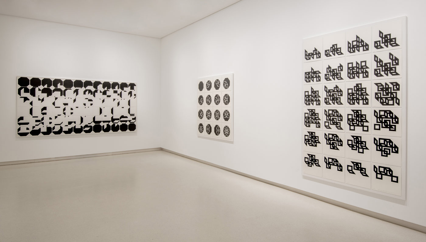 Elena Asins - Vista de la exposición, 2020 Galería Elvira González